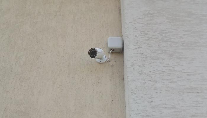 Установка систем видеонаблюдения и контроля доступа