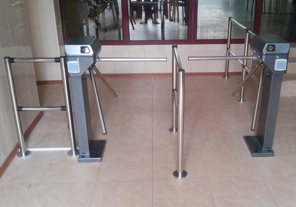 Установка турникетов, систем контроля доступа и видеонаблюдения